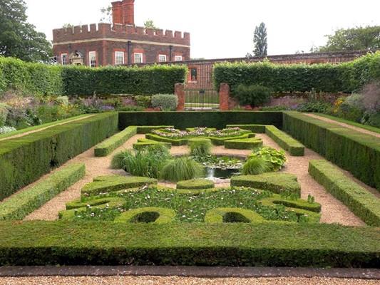 Hampton Court Park Home